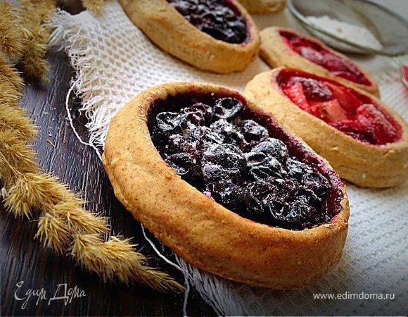 Постные ржаные мини-галеты с ягодами. Ингредиенты: ягоды замороженные, ржаная мука, овсяные хлопья быстрого приготовления