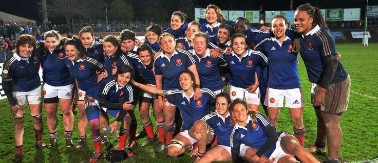 Il y avait un peu moins de 4000 personnes à la Roche/Yon face à l'Écosse. Hier soir ils étaient pratiquement 10000 dans la cuvette pour la grande fête du rugby féminin et cette rencontre entre la France et le Pays-de-Galles. Hier soir c'est tout ...