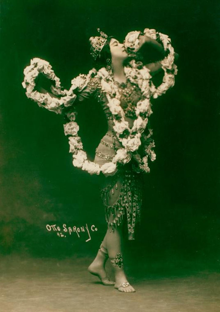 American dancer Ruth St. Denis as Radha, Lord Krishna's eternal consort. Circa 1906-1910, at the New York Public Library