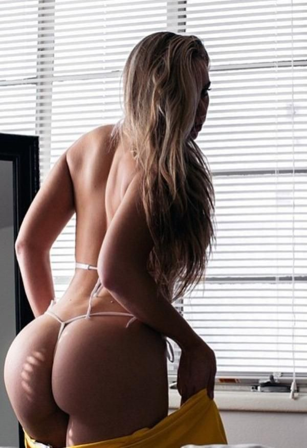 Enjoy the night with these bad girls who bend and snap (38 Photos)