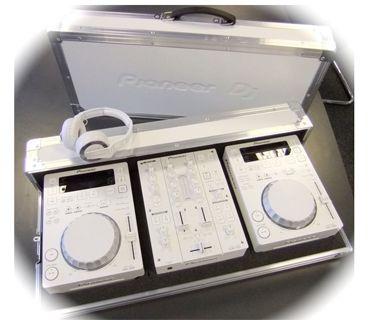Pioneer_DJ_Set_2_x_CDJ-350_W_+_DJM-350_W_+_flightcase_W_+_HDJ-500_W_.png (370×320)
