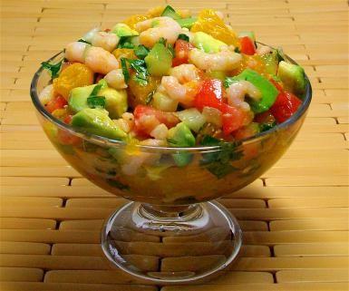 Ensalada fresca de camarones -- con los sabores de un coctel de camarón estilo Veracruz