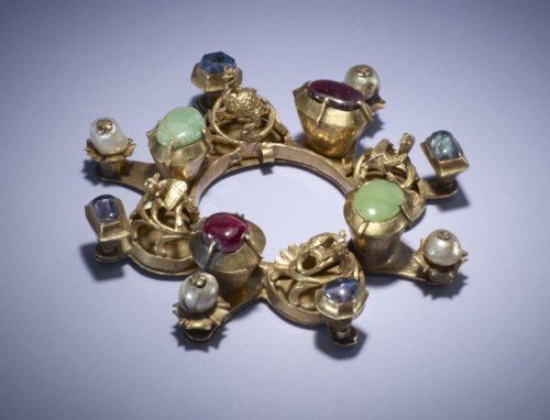 Annular brooch, made in Hungary in the 14th century
