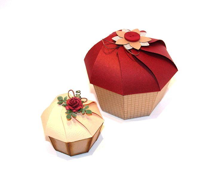 Hallo liebe Stempelfreunde!     Heute möchten wir Euch unsere Anleitung für diese Muffinbox vorstellen:       Wir bieten Euch eine Version ...