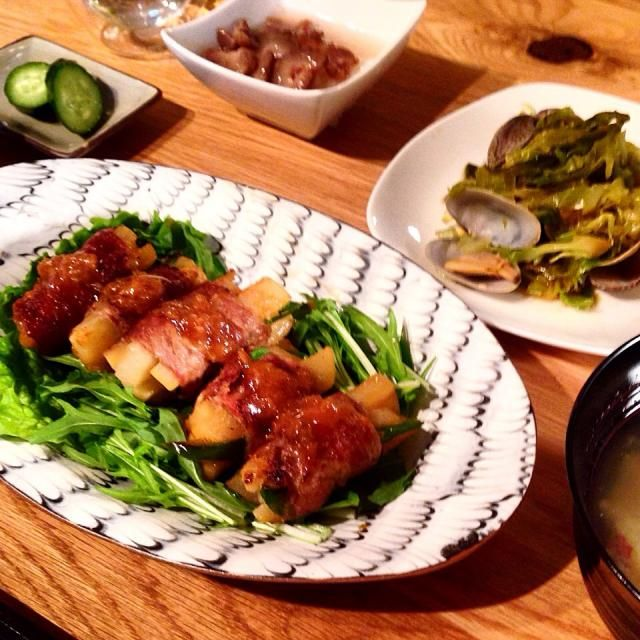 あさりが安かったので活用できてよかった!豚肉巻きにかかってるたまねぎおろしとにんにくおろしのたれが美味しかったです☺︎ - 13件のもぐもぐ - 大根とピーマンの豚肉巻き with あさりとキャベツの酒蒸し、なまこ酢大根おろし添え、さつまいもの味噌汁 by yamamotoke