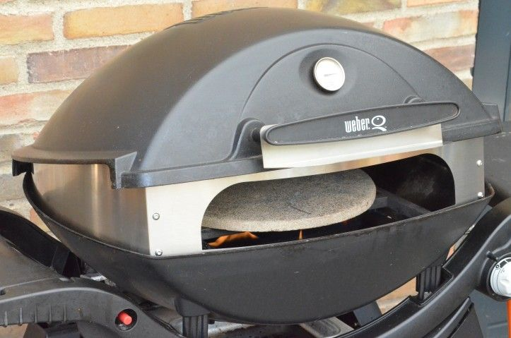 Fredstone pizza stone and own for Weber q3000