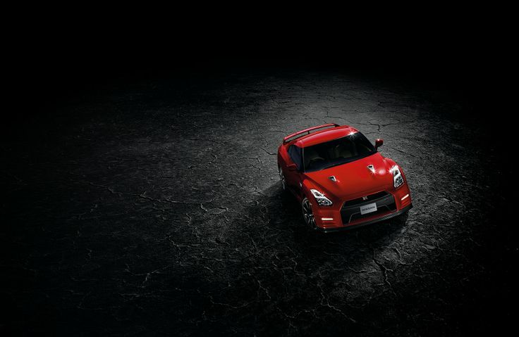 "The 2014 Nissan GT-R offers smoother ride comfort, more refinement and benchmark fit and finish, in the spirit of a great ""GT"", while delivering breathtaking performance and road-holding."