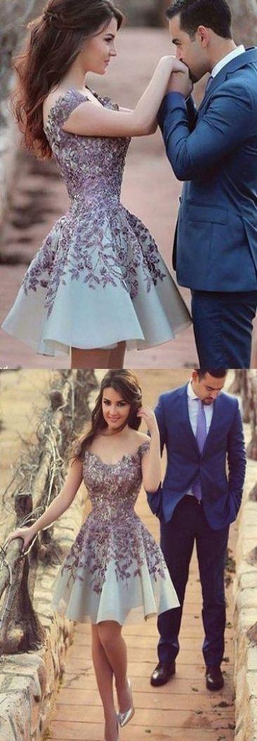Such a pretty dress!!
