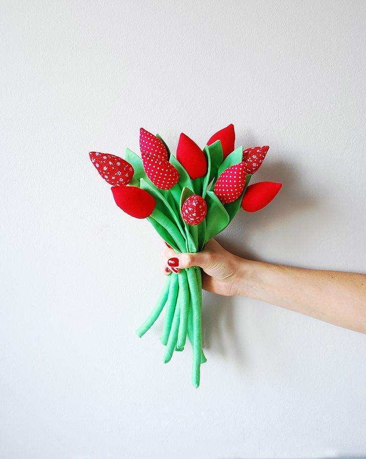 Wyjątkowy zestaw czerwonych tulipanów uszytych w polskiej pracowni!  Dostępne w sklepie internetowym Madame Allure