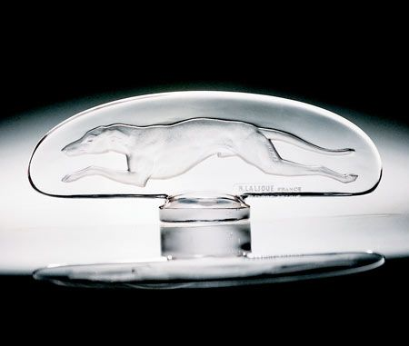 Greyhound (1928) - Lalique, Art Deco hood ornament (mascot). Ele Chesney Collection, RM Auctions at Amelia Island.
