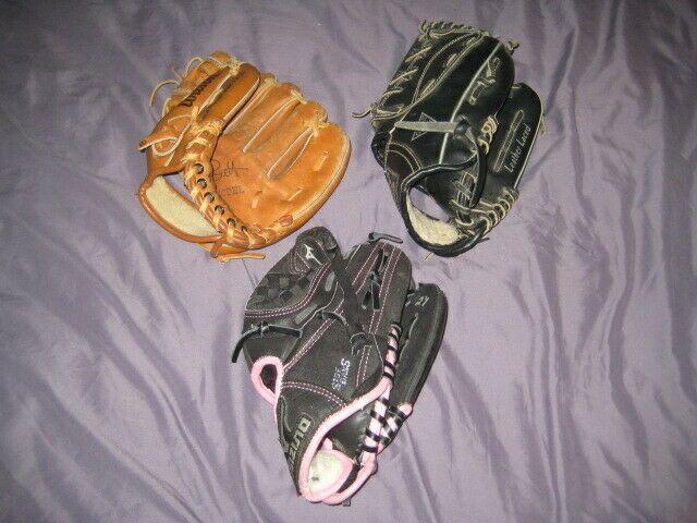 Advertisement Ebay Lot Of 3 Youth Baseball Gloves Boys Girls Muzuno Gpp1006 Wilson A2295 Guess Rht Youth Baseball Gloves Youth Baseball Baseball Glove
