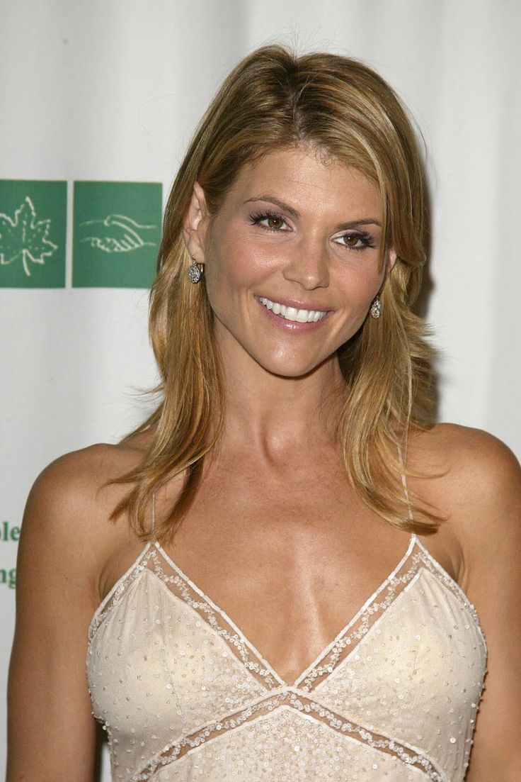 lori loughlin - photo #42