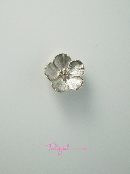 Blossom charm (large)