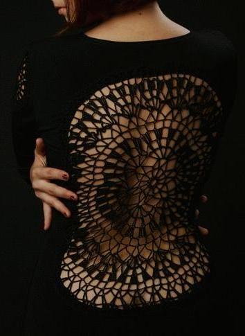 blusa com aplicação em crochet