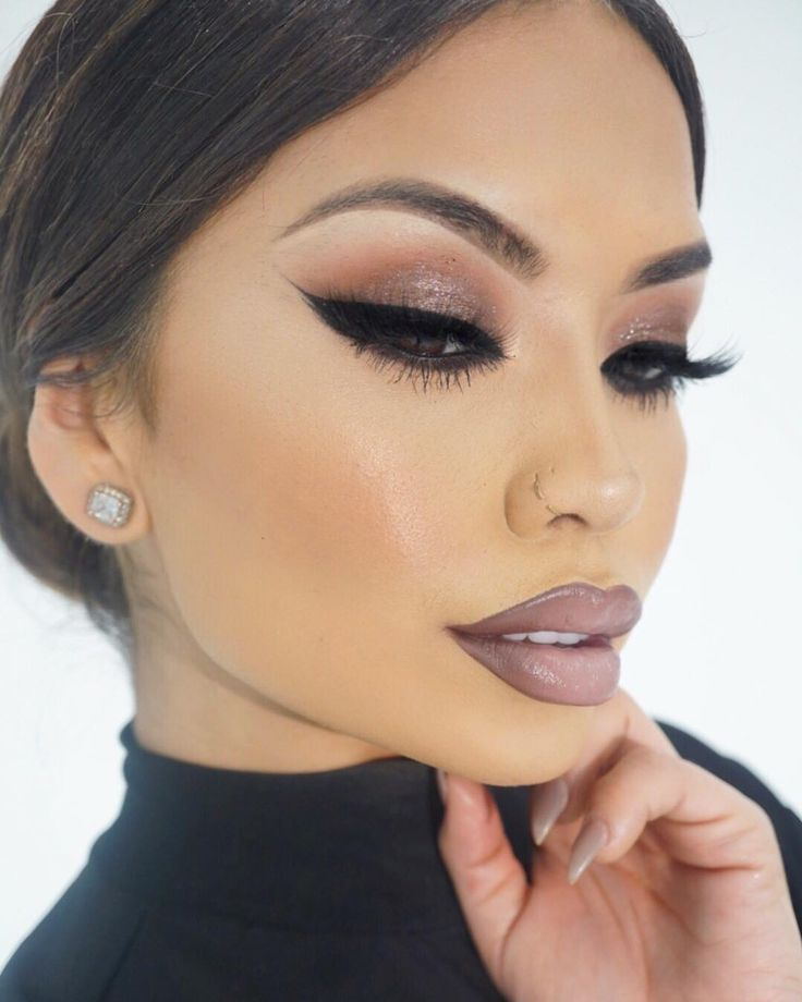 NYX lip shoot   Lips- Cookies n Creme ombré lip duo @nyxcosmetics  Eyes - Deeply dashing & soft brown #MAC  Liner - TARTIEST black liner @tartecosmetics  Brows- Light brow zings @benefitcosmetics  Skin- ReMarcable foundation #36 @marcbeauty  Rose Gold Elixir @farsalicare (use code GOLD15 At checkout) mixed with the foundation  Also will be posting some recent Skin care favs and prep tomorrow  #iluvsarahii #nyxcosmetics #benefitcosmetics #tarte #marcbeauty #farsalicare by iluvsarahii