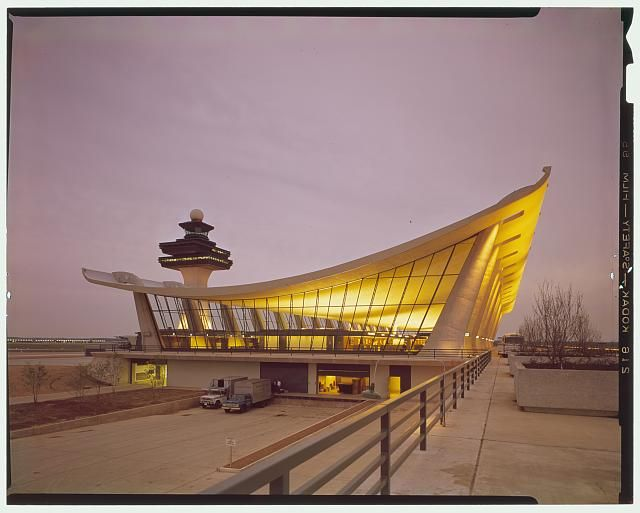 Crop right side   Dulles International Airport, Chantilly, Virginia, 1958-63 (Expanded by Skidmore, Owings & Merrill, 1998-2000). Exterior