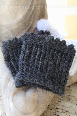 LOOM KNIT PICOT EDGED BOOT TOPPERS/CUFFS. Dress up those boots ladies! #freeloomknittingpatterns