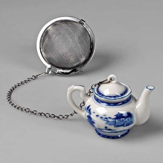 Mount Vernon Blue Canton Porcelain Mini-Teapot with Loose Tea Diffuser - So cute!
