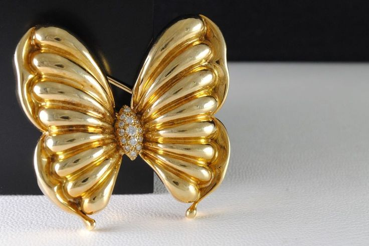 Beautiful Solid 18K Yellow Gold Diamond Butterfly Brooch #Unbranded