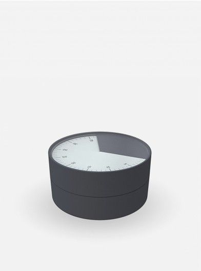 Make your cooking time valuable and fun with this striking kitchen timer. It is very easy to use, simply twist the top half of the unit to gradually reveal an easy-to-read analogue dial, stopping when you reach the required number of minutes and seconds (up to 1hr).