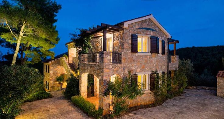 Villa Rustica is located at the end of a small quiet bay, halfway between the town of Jelsa and Vrboska on the island of Hvar.