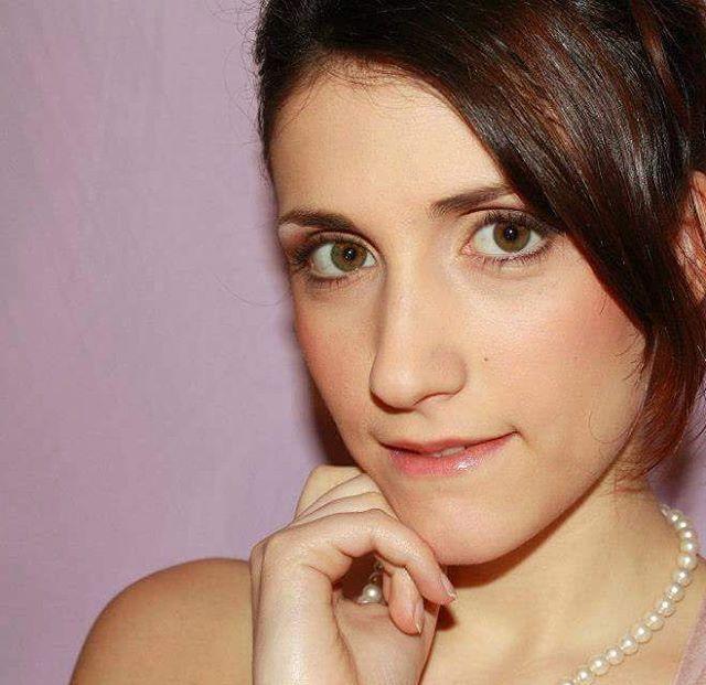 """Mi piace"": 20, commenti: 2 - Manuela Iannibelli (@manuelaiannibelli) su Instagram: ""NATURAL MAKE UP  #makeup #trucco #kryolan #parisberlin #bennye #beautiful #mua  @federica.iannibelli"""