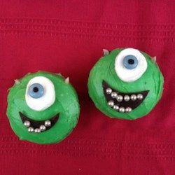 Halloween Cyclops Cupcakes
