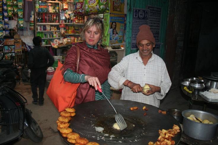 Frying potato with a Delhi street seller