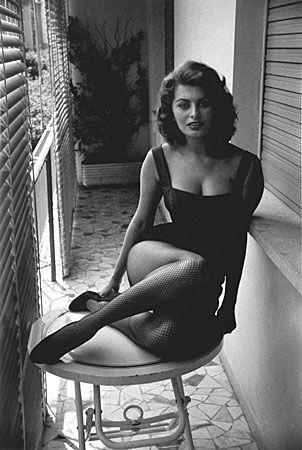"Sofia Loren - Rome, 1955 - Magnum Photographer, David ""Chim"" Seymour.  note: No Photoshop here."