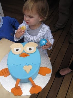 Milk Eyes: Giggle & Hoot Themed First Birthday Party, Cake, Decorations, DIY: Brisbane Gold Coast Face Painter And Balloon Twisting Art  Maybe more achievable for home attempt.