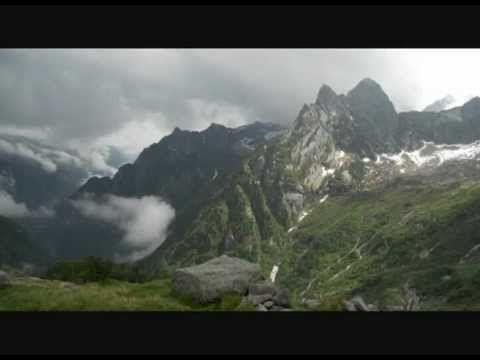 Rifugio Omio. Tra nuvole, tempeste, sole, sogni e pecore.   Just let go!