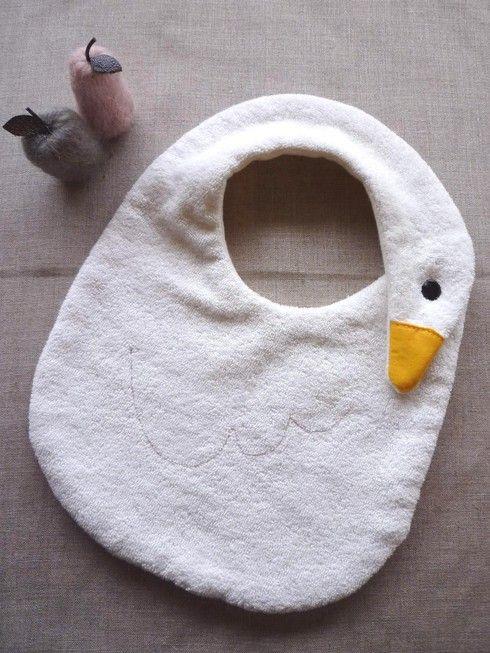 atelier soeur: Ideas, Ate Soeur, Baby Ducks, Baby Gifts, Baby Bibs, Bavoir, Kids Clothing, Diy, Slabbetj