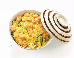 Oyako-donburi (chicken and egg over rice) - Bento.com