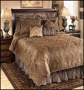 Bedding Set In Antique Meval Theme Bedrooms