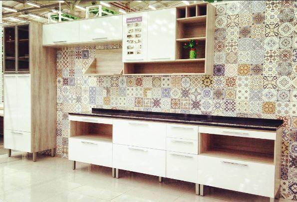 Mais um projeto da arquiteta Kathellen Carvalho com revestimento Pamesa, Cozinha Showroom Carajás com o 60x60 São Luis.