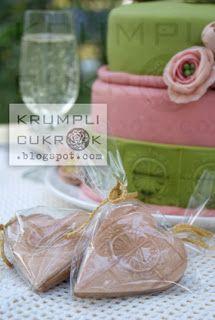 zöld-rózsaszín esküvő