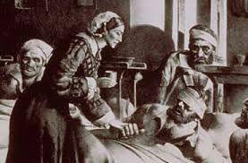 FLORENCE NIGHTINGALE (Florencia  1820-Londres  1910). Fue una enfermera,escritora y estadística británica. Es considerada pionera de la enfermería moderna y creadora del primer modelo conceptual de enfermería. Muy dotada para las matemáticas, aplicó sus conocimientos a la epidemiología y a la estadística sanitaria, y fue la primera mujer admitida en la Royal Statistical Society británica, además de miembro honorario de la American Statistical Association.