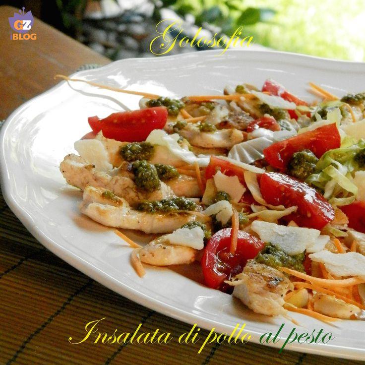 Insalata di pollo al pesto, buonissimo piatto unico, ideale da gustare durante la stagione estiva. Buonissima servita tiepida.