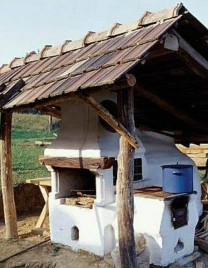 #7 Traditional Hungarian Outdoor Kitchen. hungarian cob oven