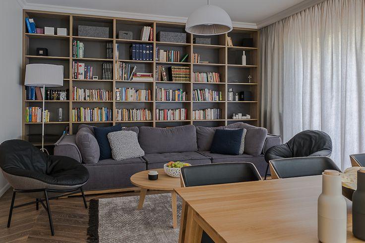 Pokój dzienny. Biblioteczka. Strefa wypoczynku #interiors #tryc #jacektryc #architekt #livingromm #salon #meble #ładnewnetrze