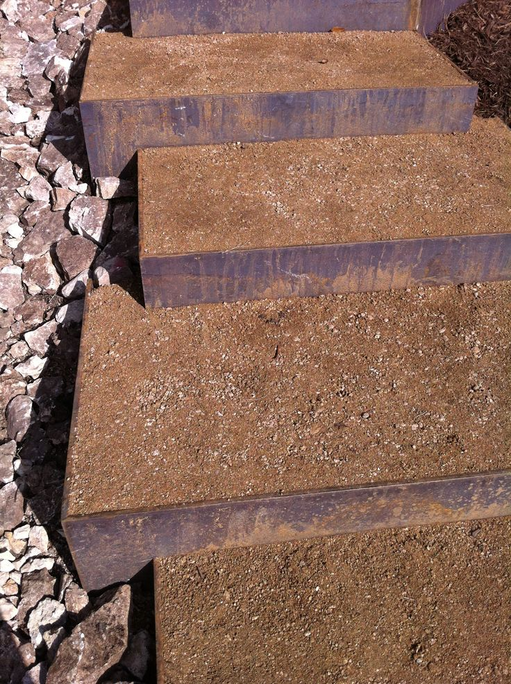 Step idea - permeable - metal and decomposed granite