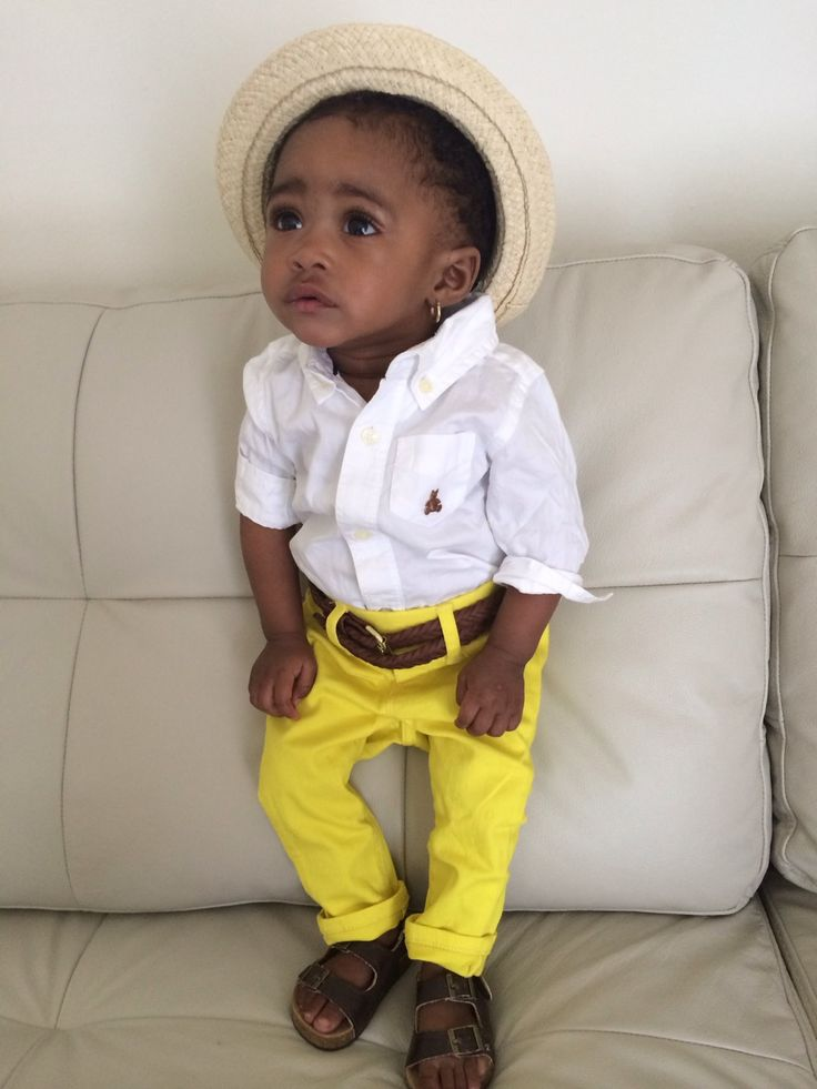 livewith-nolimit:  yarrahs-life:  jordieham:  Look at my niece Tailore  Omg I love stinkies(what I call babies)!!!!  She fly
