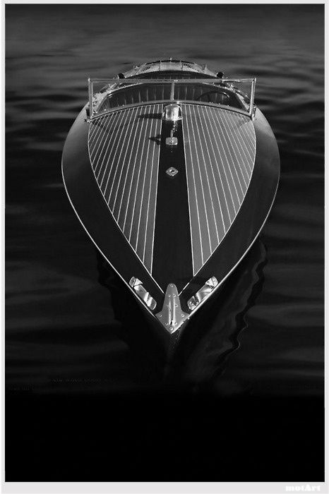 ♂ Masculine & elegance black & white boat