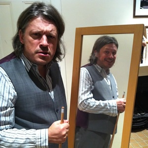 Richard Herring commentates on a snooker match he plays against himself