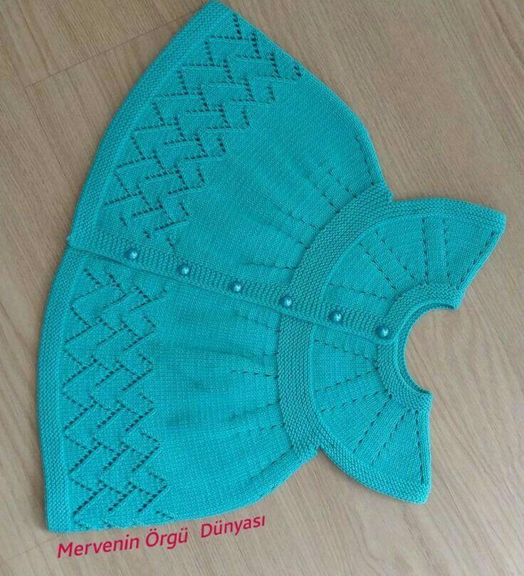 Guardado por Olivia en Tejidos a Crochet y 2 Agujas. Este vestido para bebé es hecho a 2 agujas muy lindo . oliviaoriflameperu@gmail.com