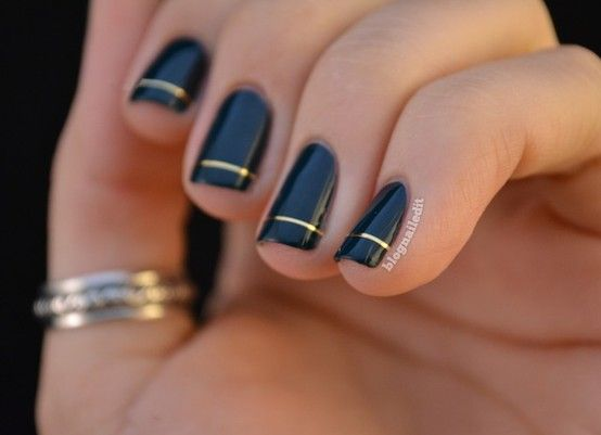 Every time I see these custom nail ideas I just think about how impossible/terrible/messy they would be to ACTUALLY DO YOURSELF... but honestly, this one seems do-able. But I'd still rather pay someone to do this :)    (fall nail inspiration... black + gold)Nails Art, Gold Nails, Nails Design, Fall Nails, Black Nails, Nails Polish, Black Gold, Gold Stripes, Nail Art