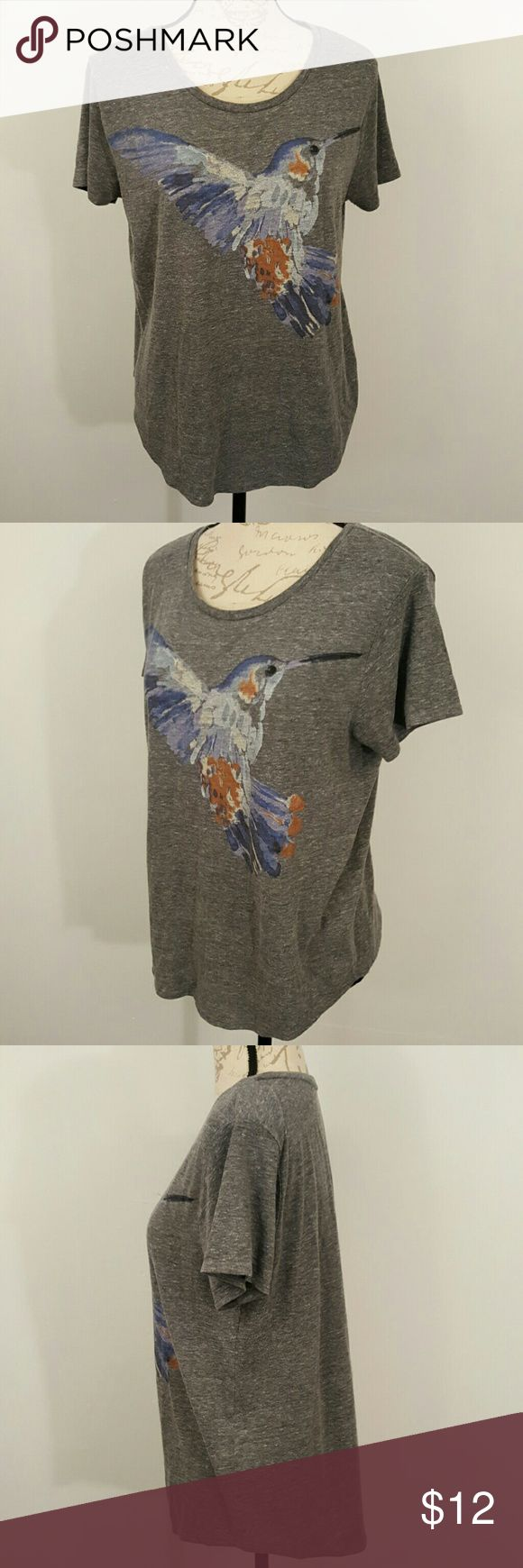Lucky Brand XL Hummingbird Bird Soft T Shirt Gray This is a Lucky Brand Tshirt. It has a hummingbird on the front. It is a Ladies XL. I am a M-L and it is lose on me. I adore Lucky Brand clothing and this is a softer Tshidt.   No smoking home. Lucky Brand Tops Tees - Short Sleeve