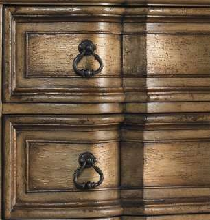 ❤️Excellent article on antique faux metallic painted Furniture & accessories, must research!!❤️