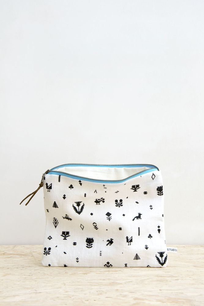 Strikke pouch - large size white