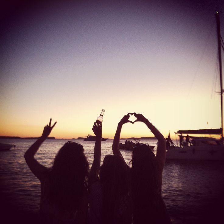 Sunset. Puesta de sol. Ibiza. Eivissa. Cafe Mambo, West End, San Antonio. Sun. Sea. Near cala Gracio.